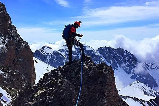 Escalando el monte Kazbegi