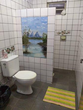 Tres Ranchos, GO: Banheiro de suíte