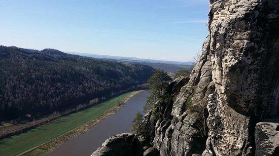 Bastei, เยอรมนี: Immer wieder ein lukrativer Reiseort mit Top-Aussicht
