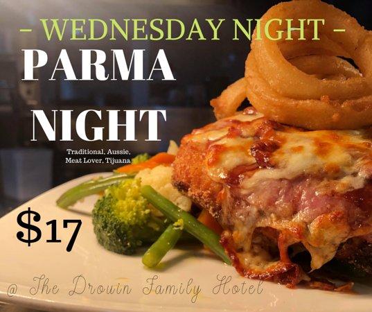 Drouin South, Úc: Wednesday Night is Parma night!