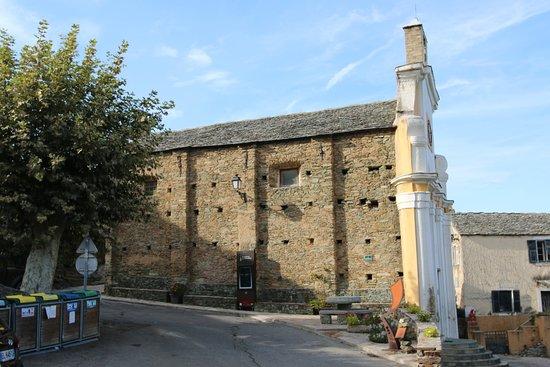 Sorio : Oratoire Ste Croix Sorio - A priori, c'est une salle des fêtes