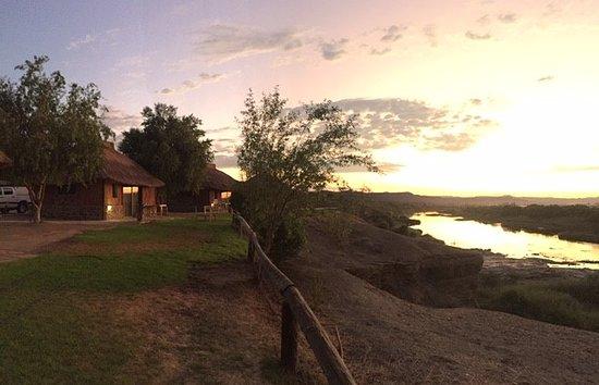 Noordoewer, Намибия: View from Cabana (at sunrise)