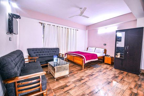 Hotel Aashiyana