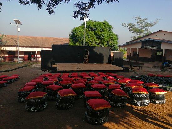 Dubreka, Guinea: Scène siba Fassou