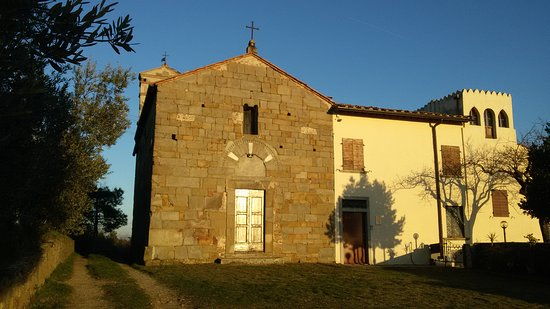 Capraia e Limite, Italia: vista facciata, sul retro si intravede il campanile