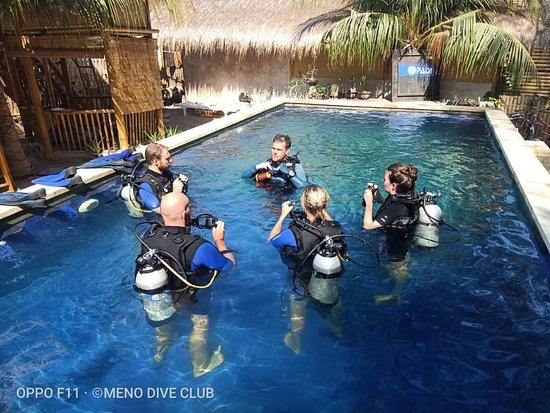 Meno Dive Club