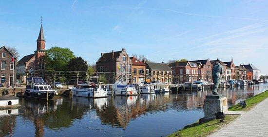 De haven van Sas van Gent