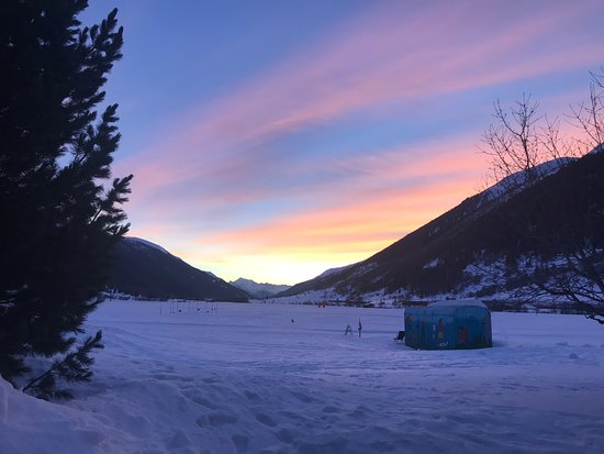 Oberwald, İsviçre: Mathias Hischier Langlaufunterricht