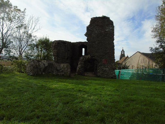 Loughor, UK: The extent of the ruins