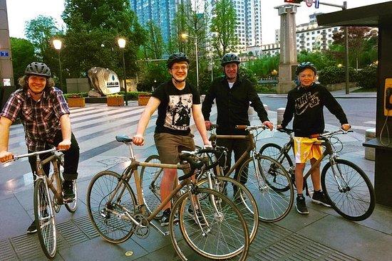 NIGHT TOUR sur un vélo en bambou...
