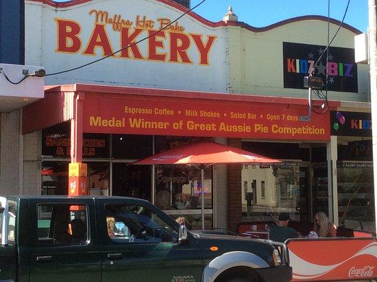 Maffra, Австралия: Good bakery in the main street
