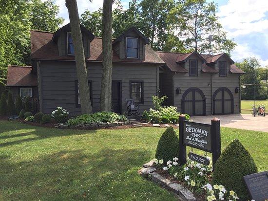 The Getaway Inn at Cooper's Woods