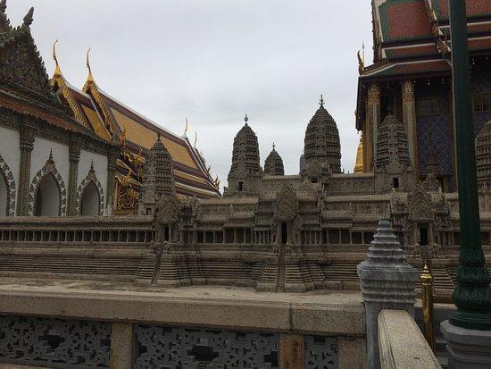 Mini Angkor Wat