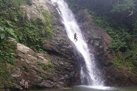 Village and Waterfall Tour - Exklusiv...