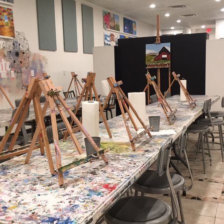 North Houston, TX: Art Class & Wine Glass front area that fits up to 28 people.