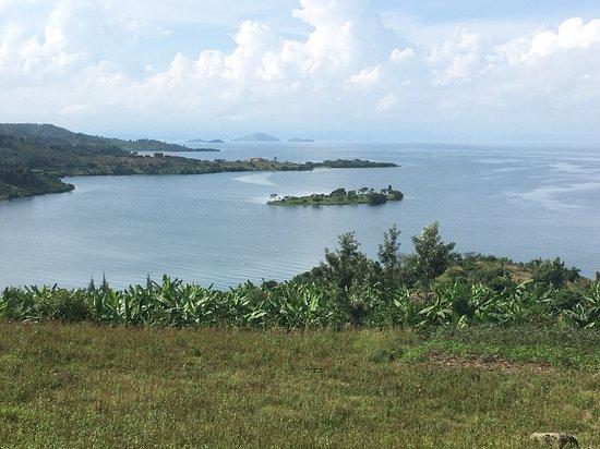 Ruhondo, Руанда: Day 3: Leaving Kinunu Guesthouse