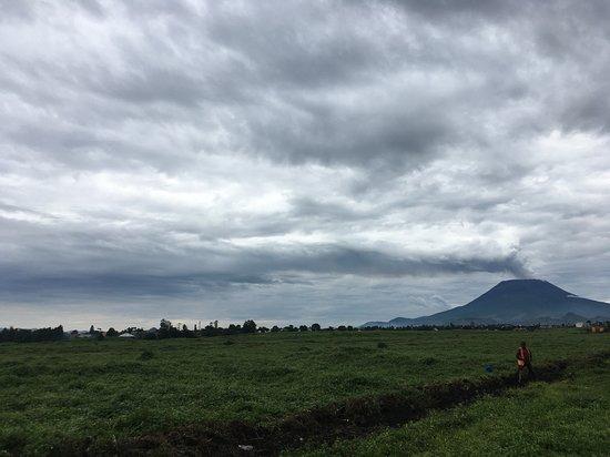 Ruhondo, Руанда: Volcano view from Gisenyi