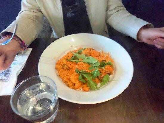 risotto di pollo - chicken & mushrooms sautéed w. olive oil, garlic, parsley, tomato crema sauce & rocket - A classic Italian risotto packed with the authentic taste. Yum