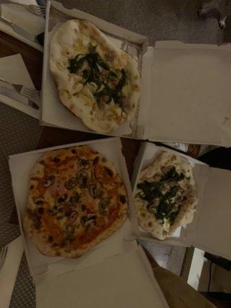 Albrighton, UK: Gorgeous Pizzas