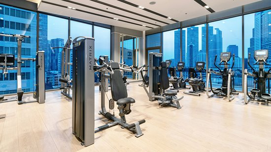 Stay fit and healthy with the fully-equipped fitness center at Oakwood Suites Bangkok, one of the largest and best equipped in Phrom Phong area.