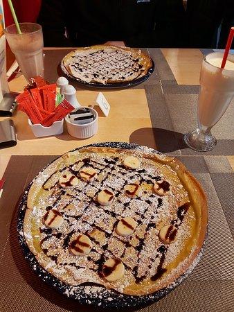 Rowen, UK: banana and chocolate pancake