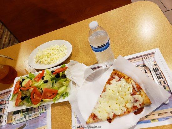 Hollis, NY: legit pizza place