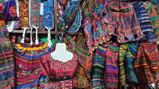 Solola, Guatemala: Stand de costumes locaux
