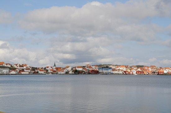 Karingon, Suecia: Tanternas vik Hornuddarna är damernas badställe med fina släta klipphällar direkt vid vattnet på Käringön. En härlig badplats och lite skönt att slippa alla män ;)