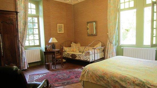 Puyravault, فرنسا: Chambre double de la suite