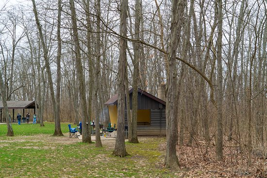 Galloway, OH: Early spring grilling at Battelle Darby Creek Metro Park.