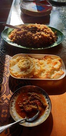 Com, Восточный Тимор: Food at Lakumorre guesthouse