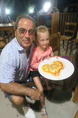 Bisignano, Италия: Die Kinder dürften ihre eigene Pizza  machen .