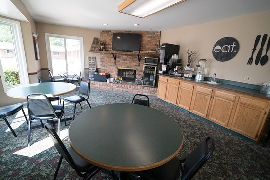 Onekama, MI: Front Lobby- Coffee, Hot Chocolate and Family Games