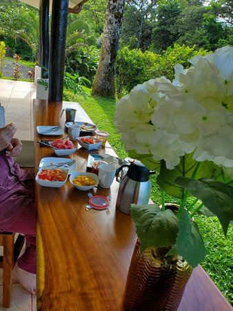 Aguacate, Κόστα Ρίκα: The beautiful homemade breakfast that was loving prepared for us - featuring homemade bread!