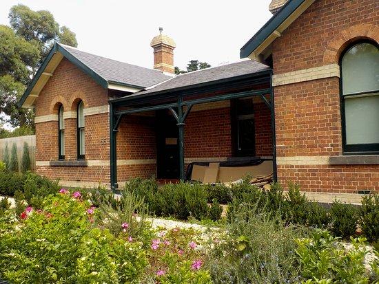 former Parkville Police Station