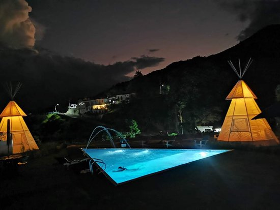 Antioquia Department, Colombia: @cerrotusaglamping un lugar magico donde vamos a brindar unas experiencias increibles con el glamour y toda la comodidad que te mereces.