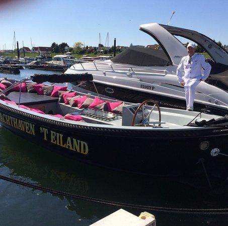 Gelderland, Nederland: Ook rondvaarten met schipper zijn bij ons mogelijk!
