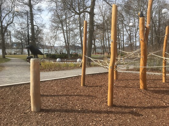 Huddinge, Sweden: Vårby herrgårdspark. Lekplatsen med vikingatema.