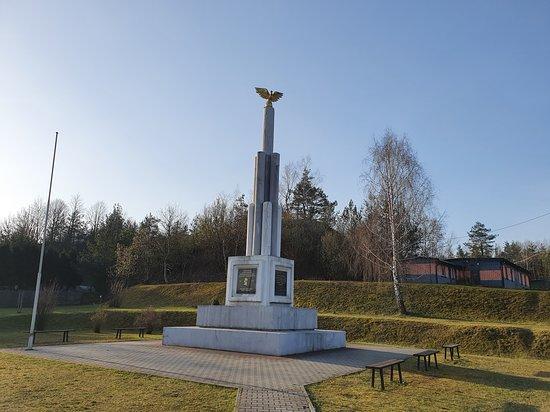 Niepodleglosci Monument