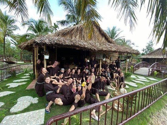 Провинция Бенче, Вьетнам: 1 góc hình ảnh khu xóm dừa mộc mạc