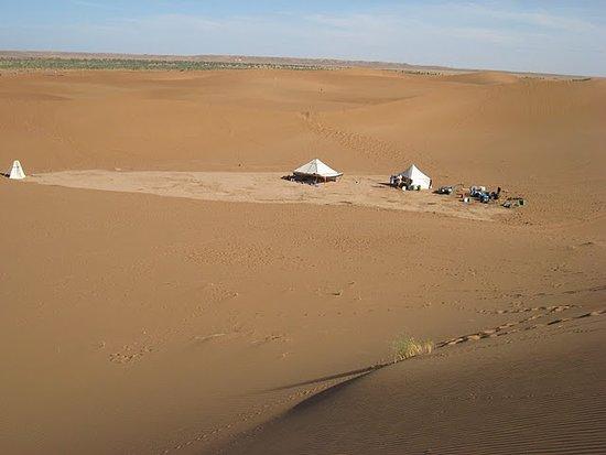 3-days desert tour to Marzouga: nous somme des spécialistes dans l'eco-tourisme au Maroc, eco-voyage, eco-randonnées, yoga voyage,randonnées- photos, trekking sommet toubkal, voyages culturels, voyage désert
