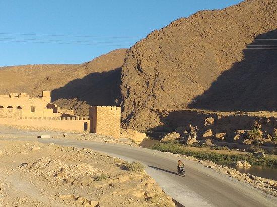 Tissint, Maroko: vue générale de l'hôtel, en rentrant des cascades