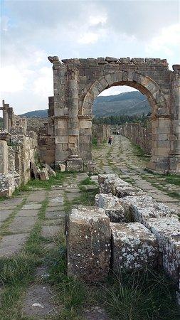 Djemila, Алжир: Arco di Commodo