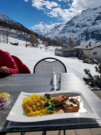 Saas-Almagell, Suiza: great view - nice food