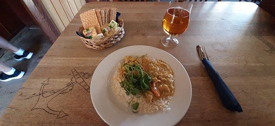 Sandhamn, Suecia: Le repas du jour (Dagens Kött) à 109 SEK Starköl fat stor 64 SEK