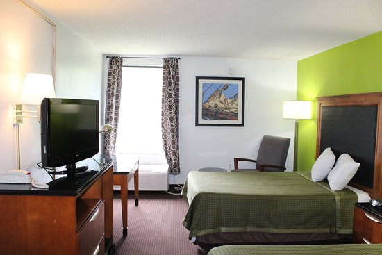 Carla Inn & Suites Roanoke Airport