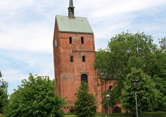 Schiefe Kirche von Hage