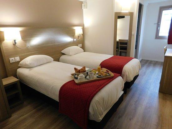 The Originals Hotel Ambacia (Ex Inter-Hotel): Chambre lits jumeaux rénovés, nouvelle literie, nouveaux oreillers.