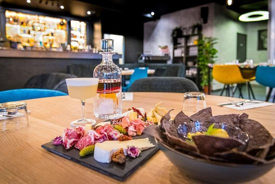 Cormeilles-en-Parisis, Fransa: Cocktails & Tapas