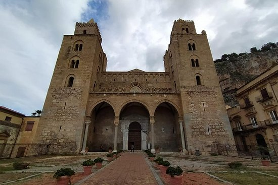 Tindari et Cefalù: visite en petit groupe de Taormina